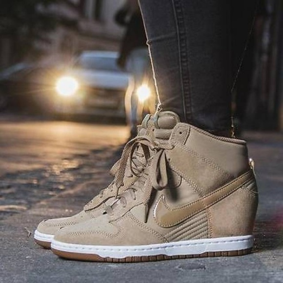 Nike Shoes - 🆕️ Nike DUNK SKY HI ESSENTIAL SNEAKER